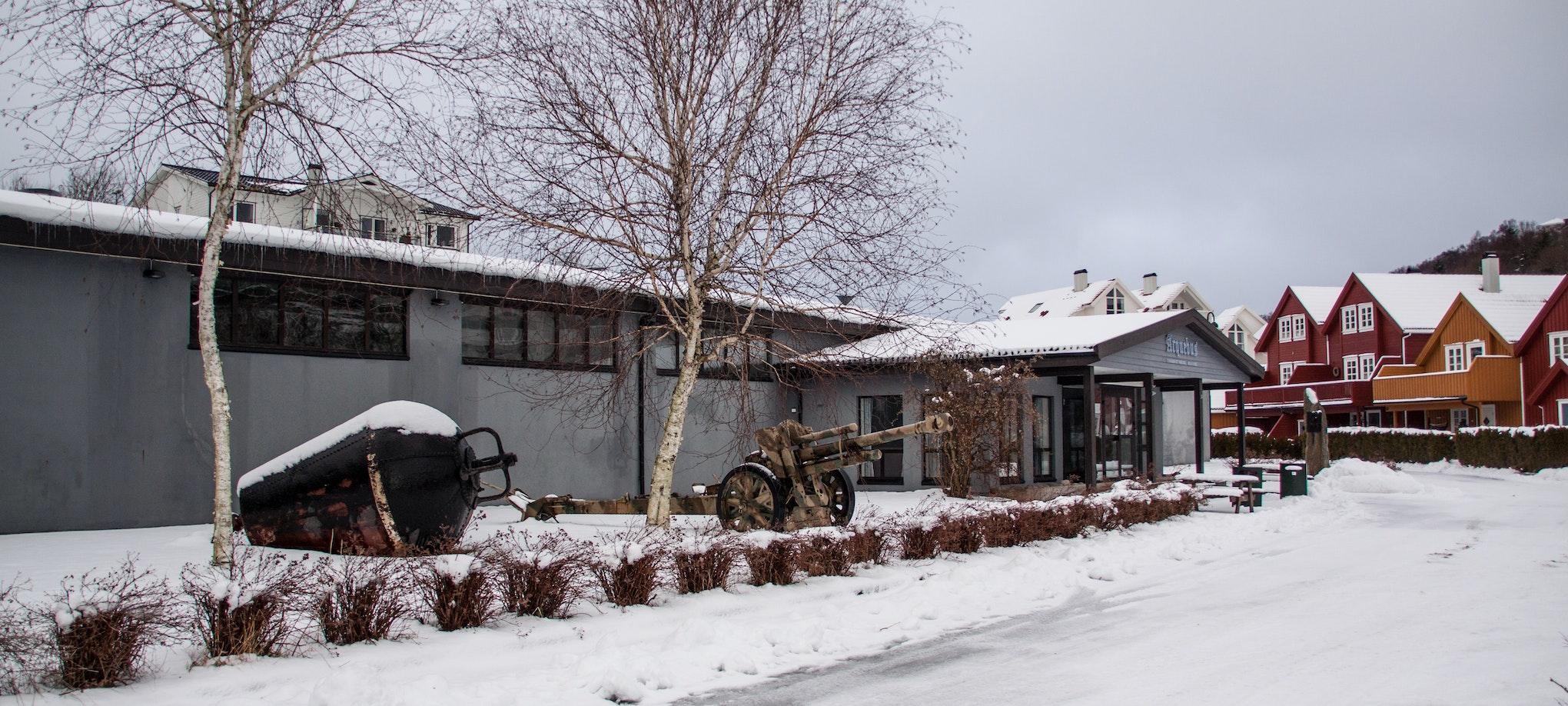 Arquebus krigshistorisk museum, sett utenfra. Viser inngangspartiet.